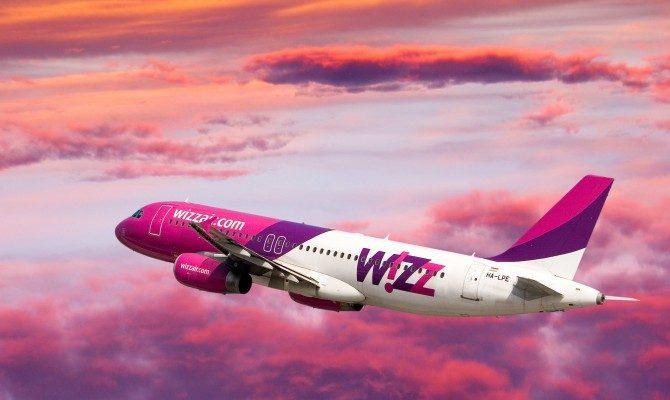 Лоукостер Wizz Air запретил бесплатный провоз ручной клади