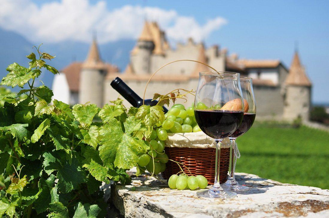 Фестиваль молодого вина Beaujolais Nouveau